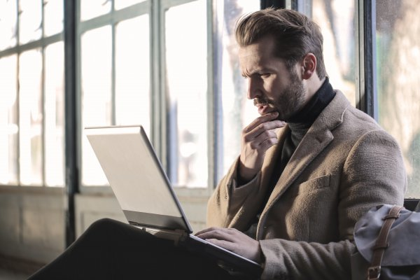 social media marketing - do it yourself vs. hire an agency vs. hire a freelancer